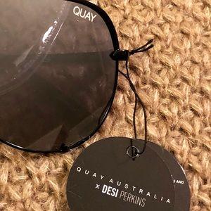Quay Australia Accessories - Quay Australia x Desi Perkins High Key Aviators
